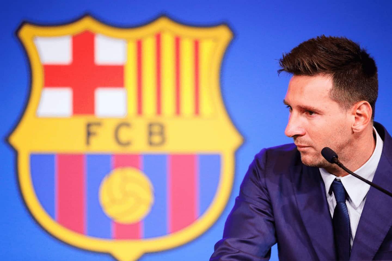Unde se transfera Messi?